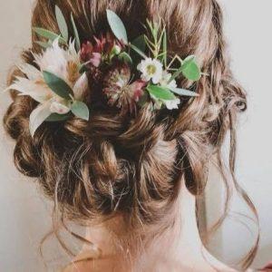 Hairstyling met bloemen